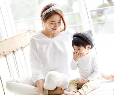 早晨家庭/母亲和婴儿/ 15A11