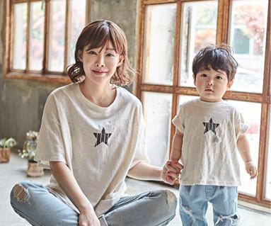 """<font color=""""ffffff"""">[家庭短袖T恤和家庭外观] <br></font> Star Crack妈妈和宝宝短袖身体_18B11"""