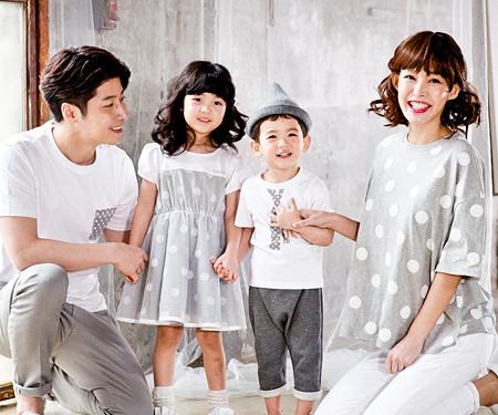 灰色圆点家庭短袖体恤_17B02